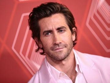 Jake Gyllenhaal le ha puesto a su perro prótesis de testículos tras castrarle
