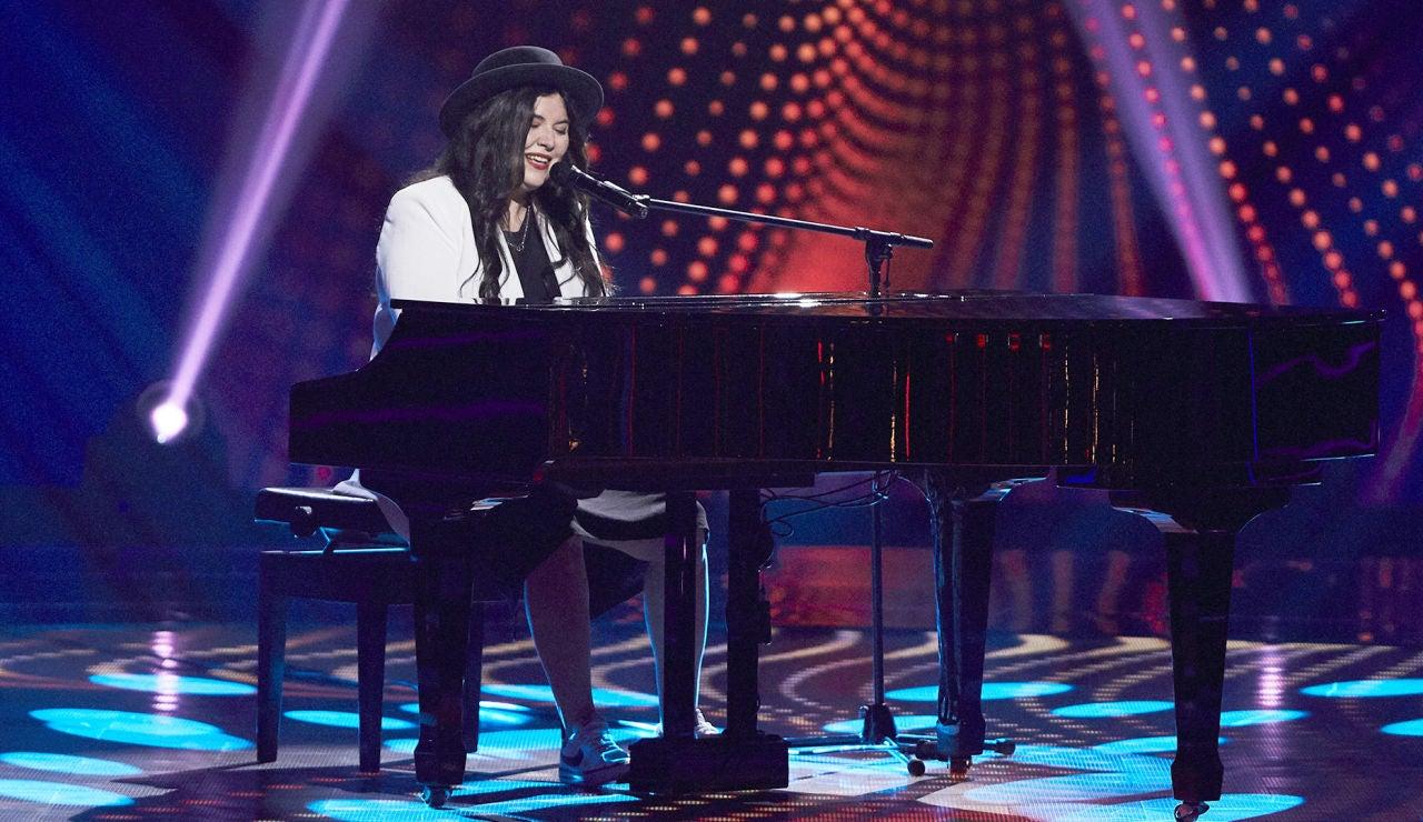 Laura Gómez canta 'Peces de ciudad' en las Audiciones a ciegas de 'La Voz'