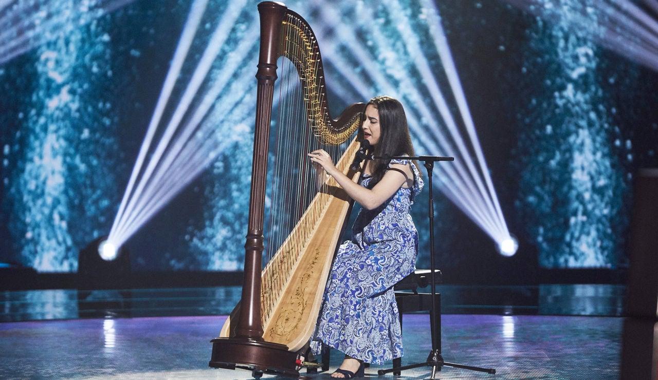 Sara Askarzadeh canta 'La puerta violeta' en las Audiciones a ciegas de 'La Voz'