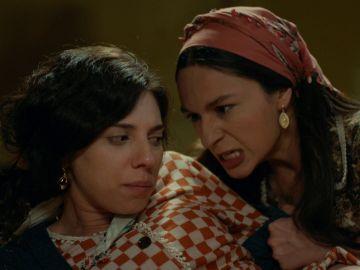 Saniye descubre a Gaffur coqueteando con  Seher
