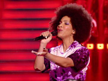 ¡Si Whitney Houston la escuchara! Ni 'El guardaespaldas' salvaría a la asesora de imagen