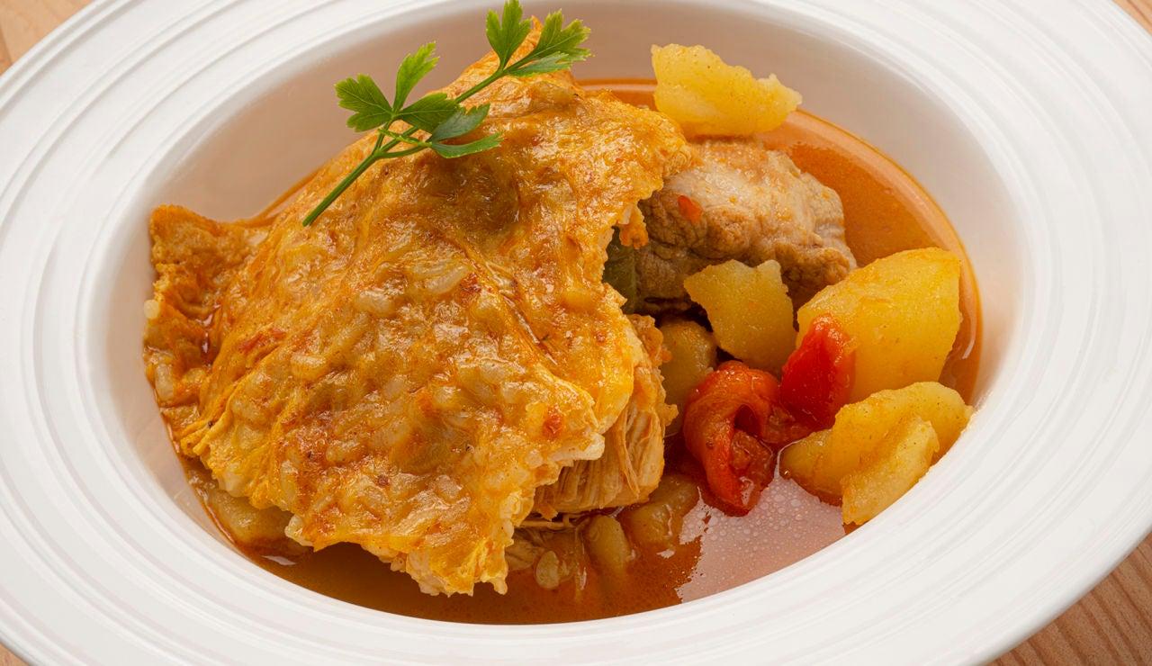 Receta de guisado de patatas con tortilla de arroz, de Karlos Arguiñano