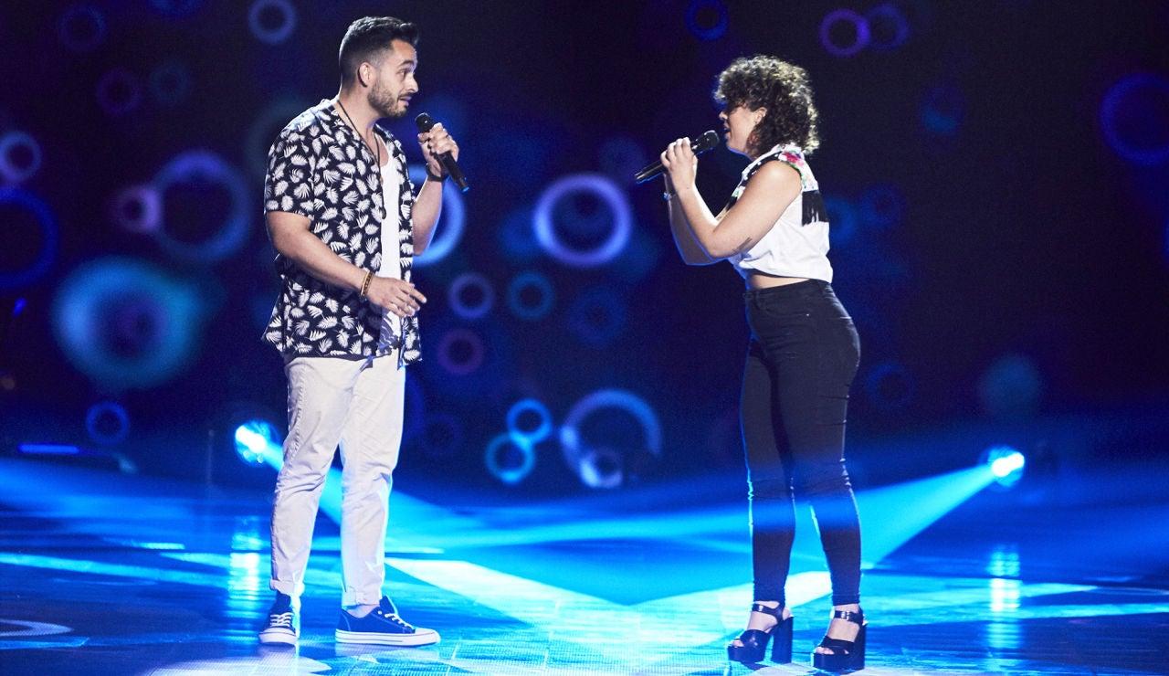 Pilar y Jesús Suárez cantan 'La habitación' en las Audiciones a ciegas de 'La Voz'