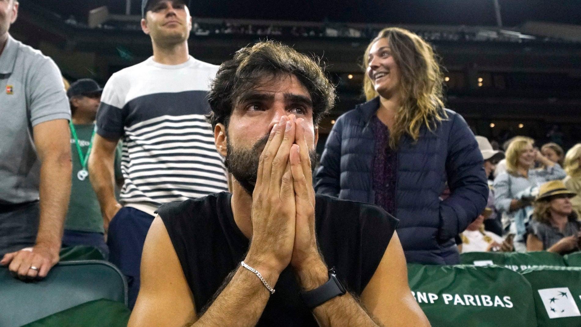 Juan Betancourt, el mayor apoyo de Paula Badosa en su pase a cuartos de final de Indian Wells