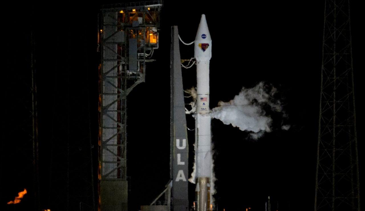 Despega Lucy, la primera misión de la NASA que estudiará los asteroides troyanos