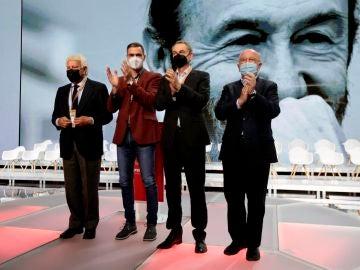 Un PSOE unido muestra su mejor cara en su 40º Congreso y entierra las guerras internas