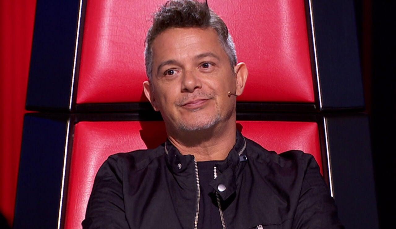Alejandro Sanz bromea con Malú en 'La Voz'