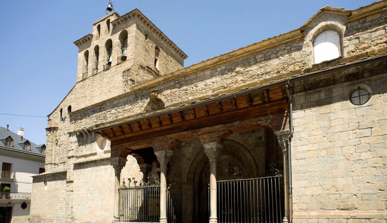 Catedral de Jaca: su historia, leyendas y curiosidades