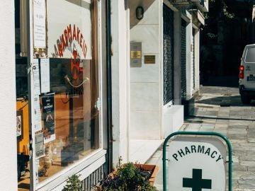 Entrada de una farmacia