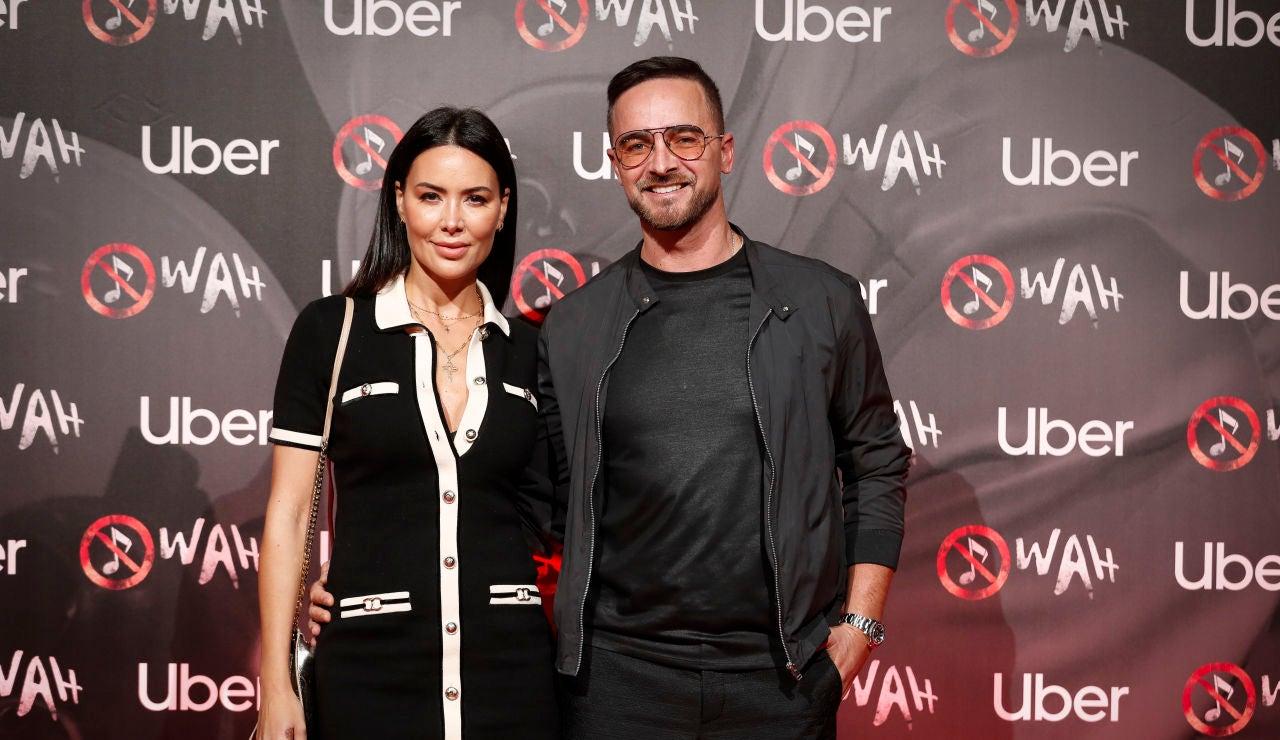 Vania Millán y su pareja