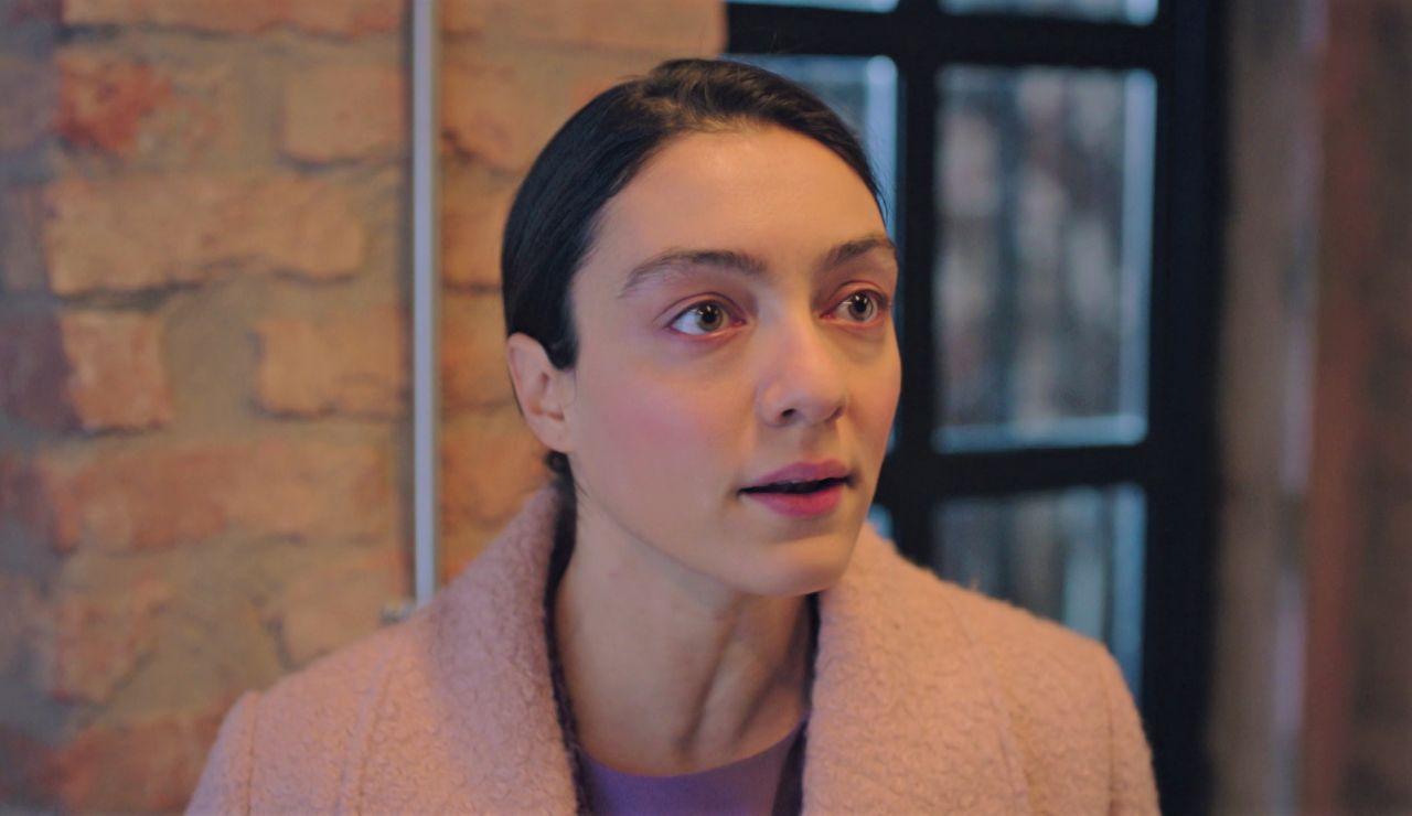 """Gülben advierte a Naci tras verle con una mujer: """"No cometas un error"""""""
