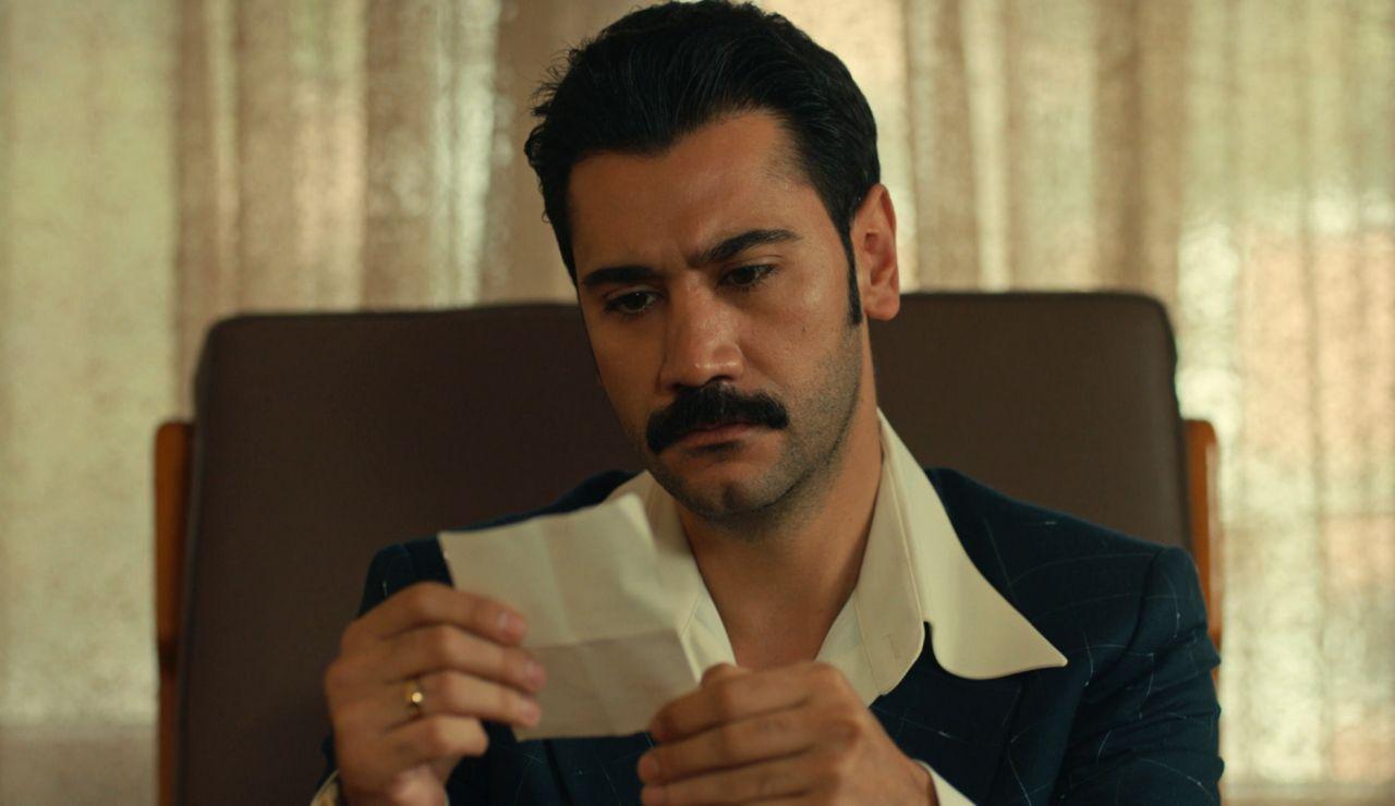Yilmaz descubre que fue  Gülten quien envió la carta a los padres de Müjgan