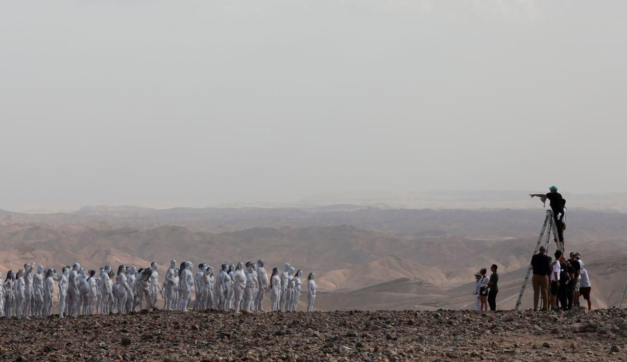 Doscientas personas desnudas posan para Spencer Tunick para salvar el Mar Muerto