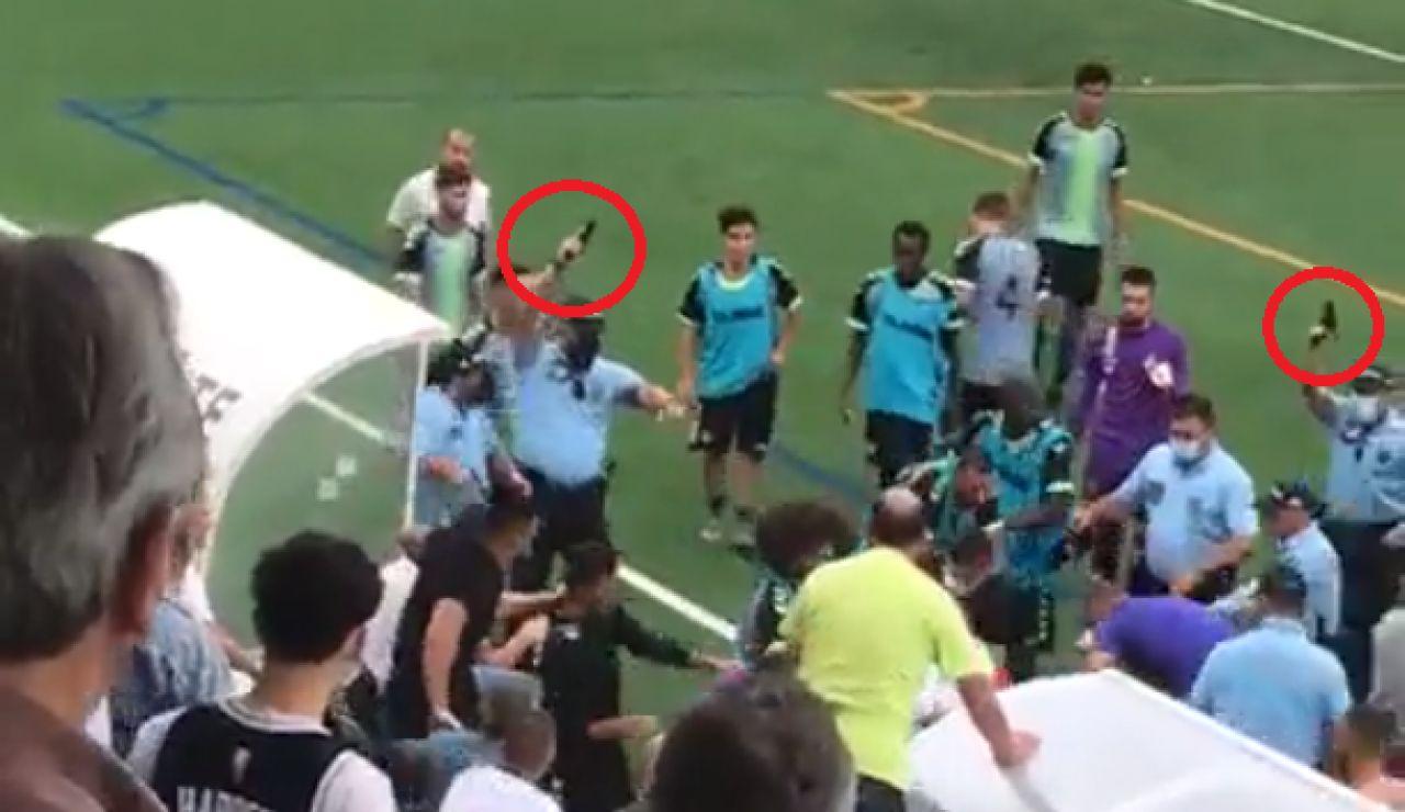 Batalla campal en un partido en Portugal con 10 disparos al aire y un futbolista encañonado