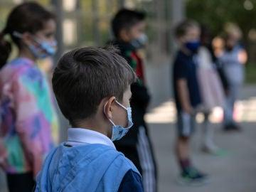 La Comunitat Valenciana estudia que la mascarilla deje de ser obligatoria en espacios abiertos de los colegios