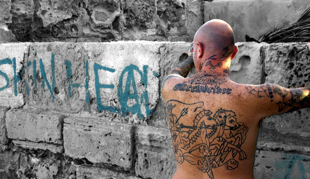 """Piden 16 años de cárcel para el Skinhead que intentó asesinar a dos jóvenes al grito de """"rojos de mierda"""""""