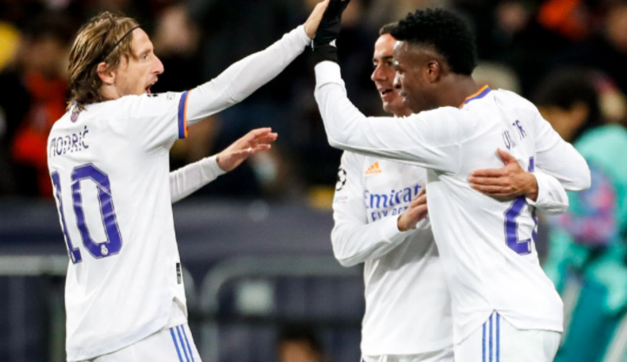 El Real Madrid se da un festín contra el Shakthar con un doblete de Vinicius