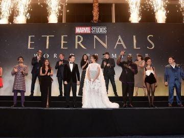 El reparto de 'Eternals' en la premiere