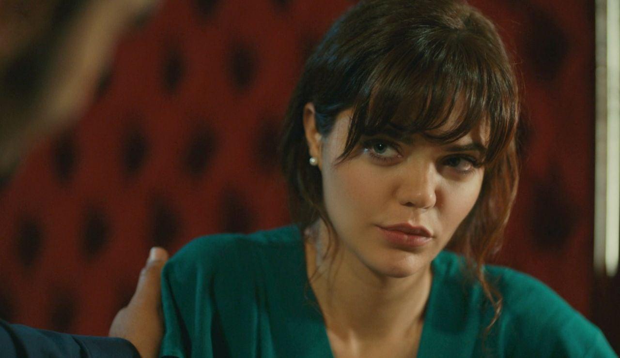 """Demir pide perdón a Züleyha y la hace una promesa: """"Nunca más te quitaré a Adnan"""""""