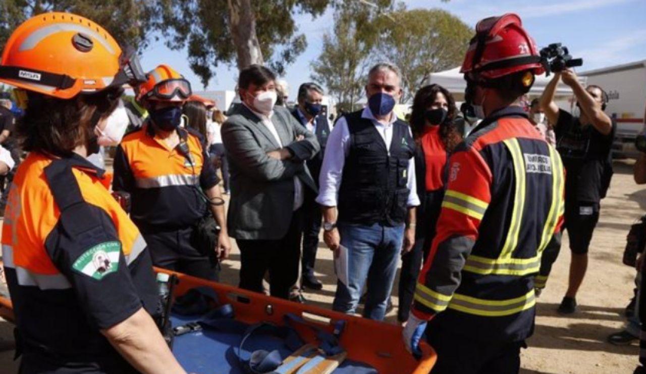 """Ensayan un simulacro de tsunami """"histórico"""" en Huelva y Cádiz con un operativo de casi 2.000 personas"""