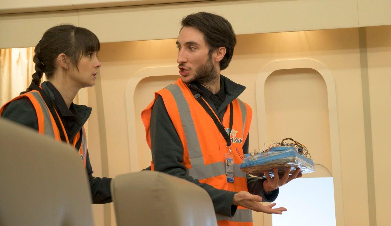 Ika y Rober encuentran una bomba en el Air Force One… ¡y son confundidos con terroristas!