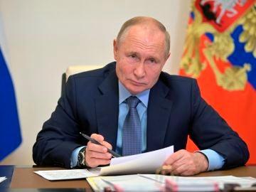 Rusia propone 1 semana de vacaciones pagadas para frenar el avance de la COVID-19
