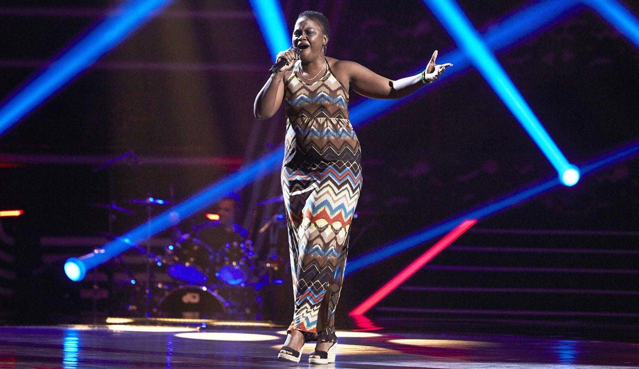 Yelina Lafargue canta 'One night only' en las Audiciones a ciegas de 'La Voz'