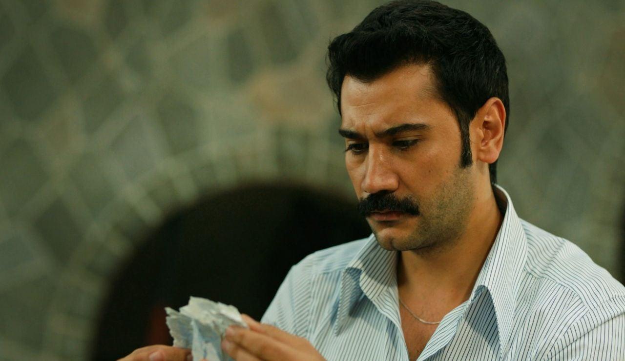 La carta que escribió Züleyha, en manos de Yilmaz