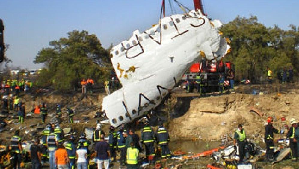 Imagen de los restos del avión de Spanair tomada el 20 de agosto de 2008