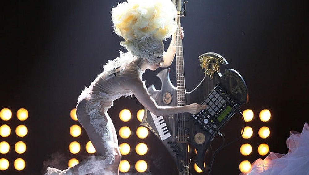 Lady Gaga en los Premios Brit