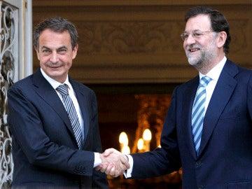 Zapatero y Rajoy pactan reformar la Ley de Cajas