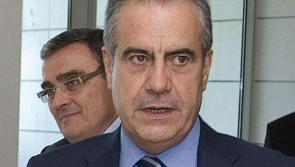 Corbacho espera pactar la reforma laboral pronto