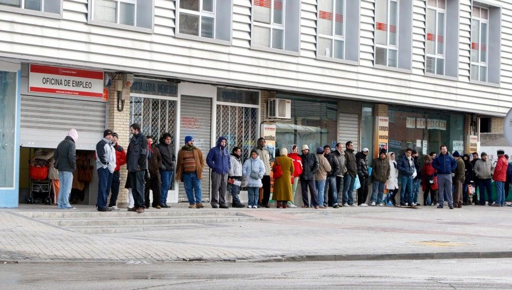 Los españoles continúan preocupados por el desempleo.