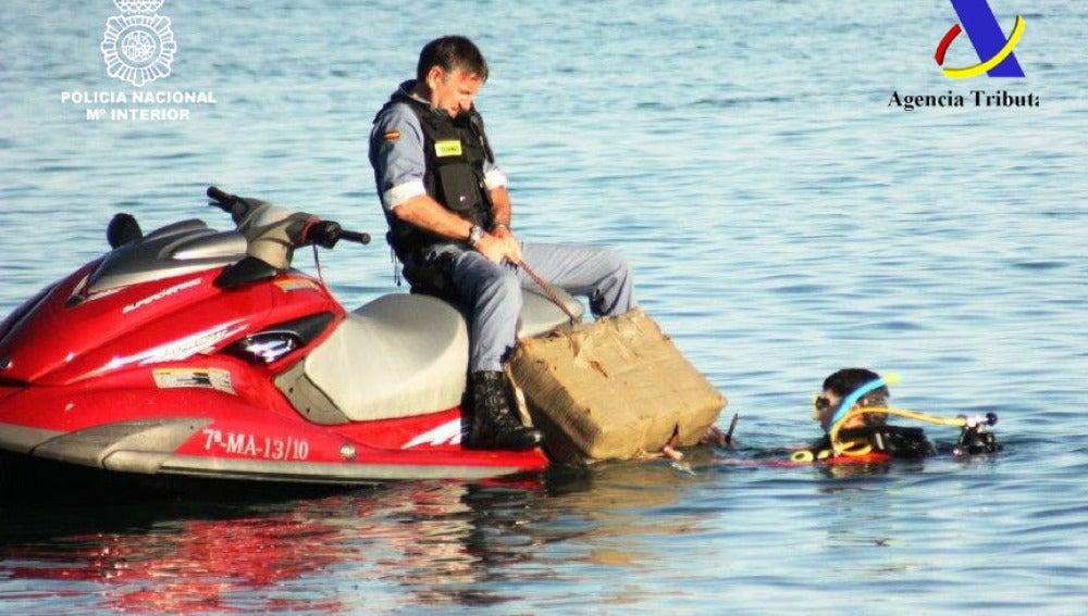 Usaban motos de agua para transportar la droga