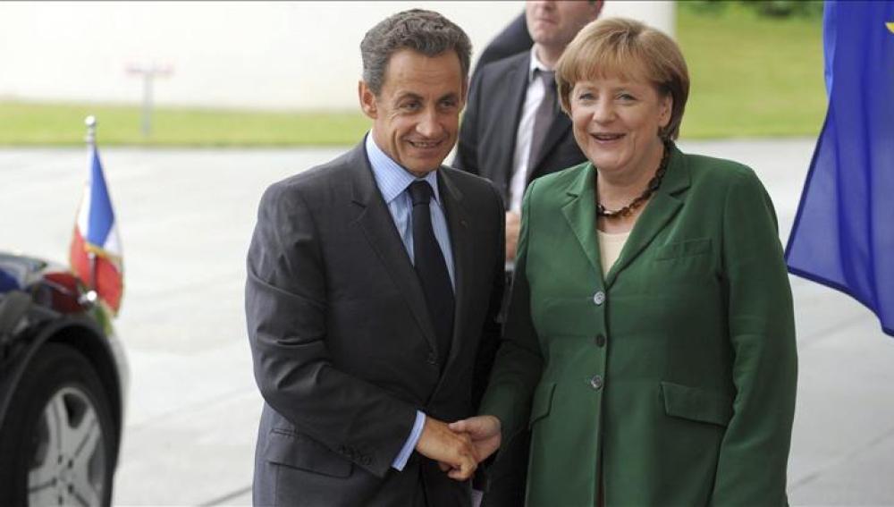 Merkel y Sarkozy se reúnen en Berlín para preparar la cumbre del Eurogrupo
