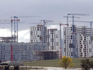 Un bloque de viviendas en construccción