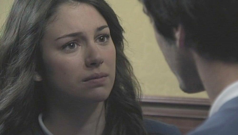 Julia pide explicaciones a Iván