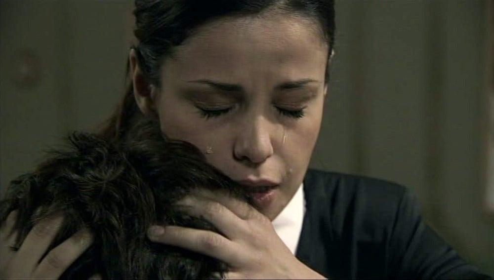 María descubre que Iván está perdiendo la memoria