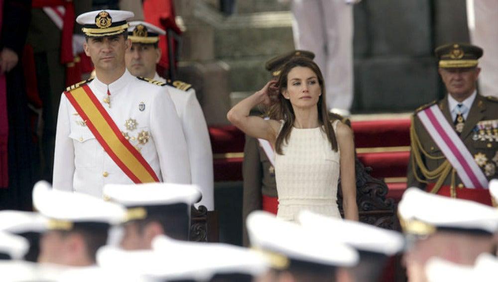 Los príncipes de Asturias presiden la entrega de los Reales Despachos de la Escuela Naval Militar