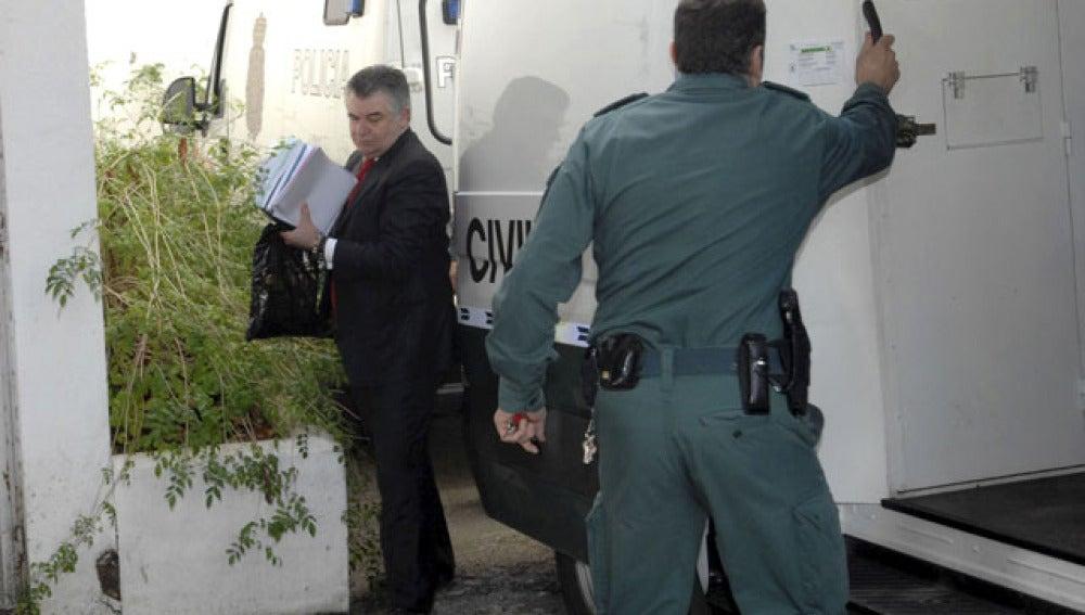 El ex asesor urbanístico, José Antonio Roca, a la salida de los juzgados