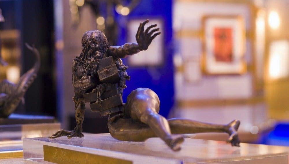 'La mujer de los cajones', escultura de Dalí robada en Brujas