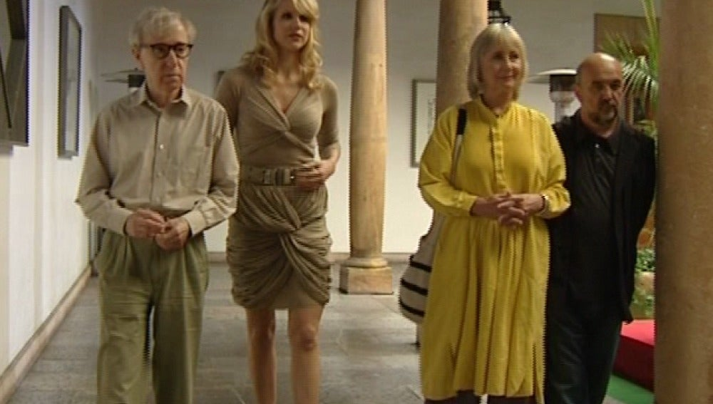 Woody Allen, Lucy Punch, Gemma Jones y Mikel Lejarza