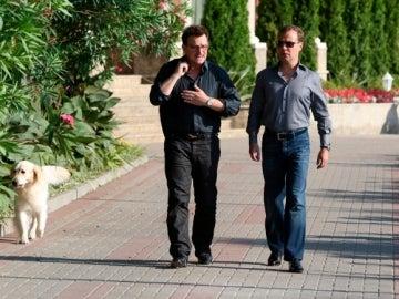 Medvedev y Bono paseando