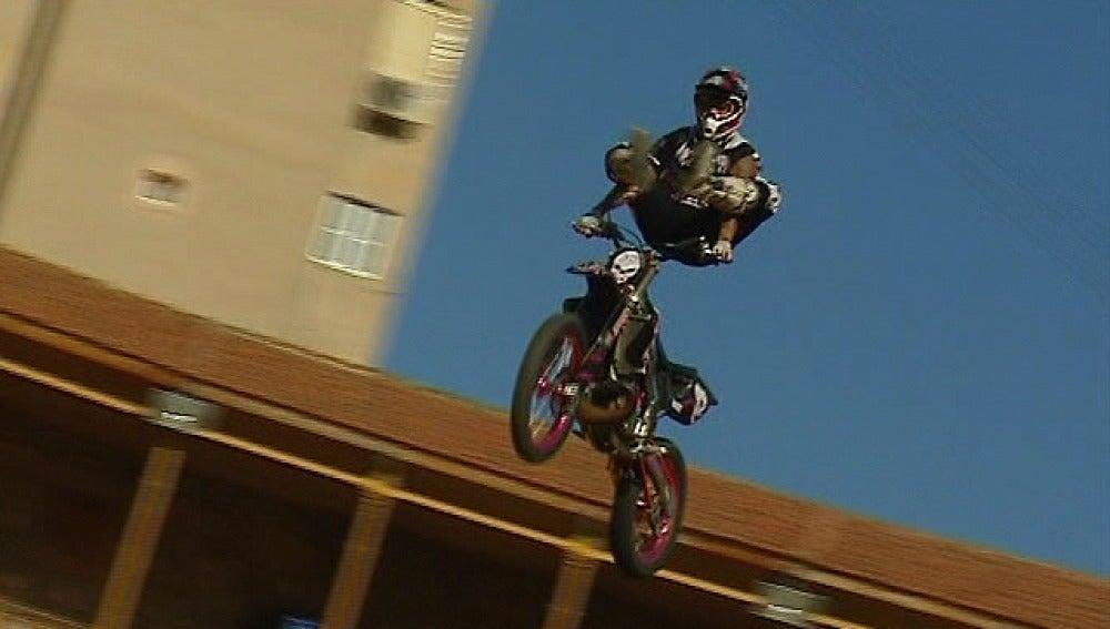 Motos acrobáticas