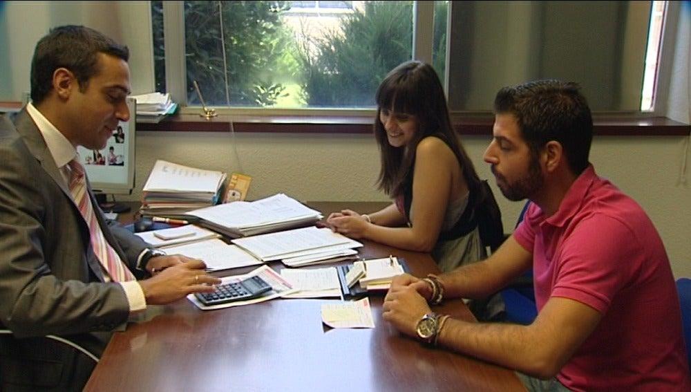La contratación de hipotecas cae él 32,6% en 2011
