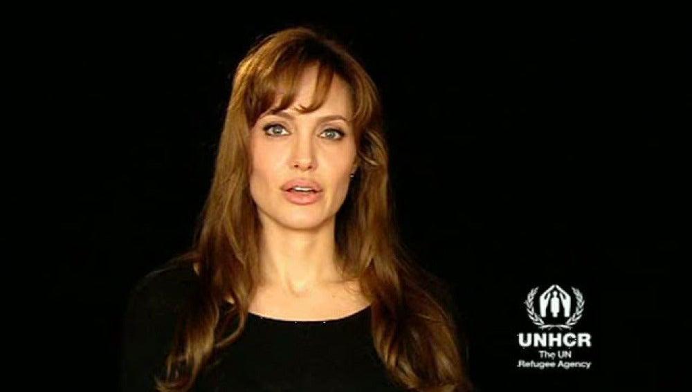 Angelina Jolie pide ayuda para Pakistán