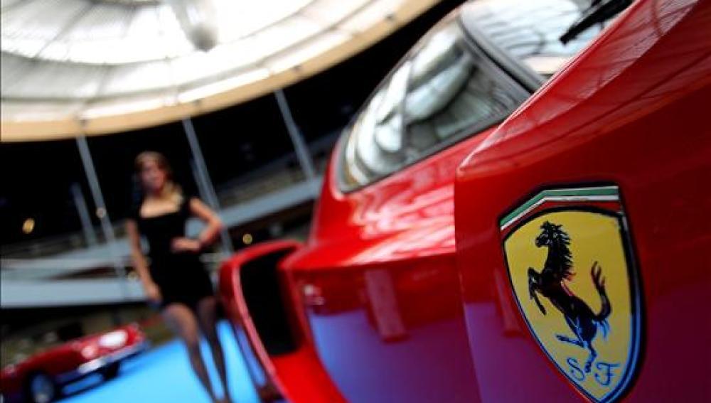 Concentración de Ferraris en Torremolinos