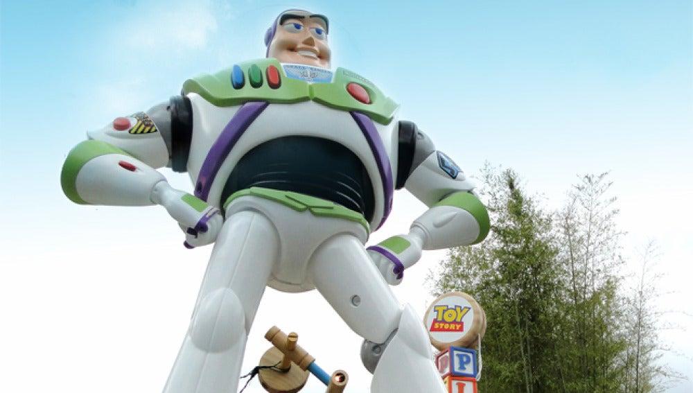 Buzz Lightyear gigante en París