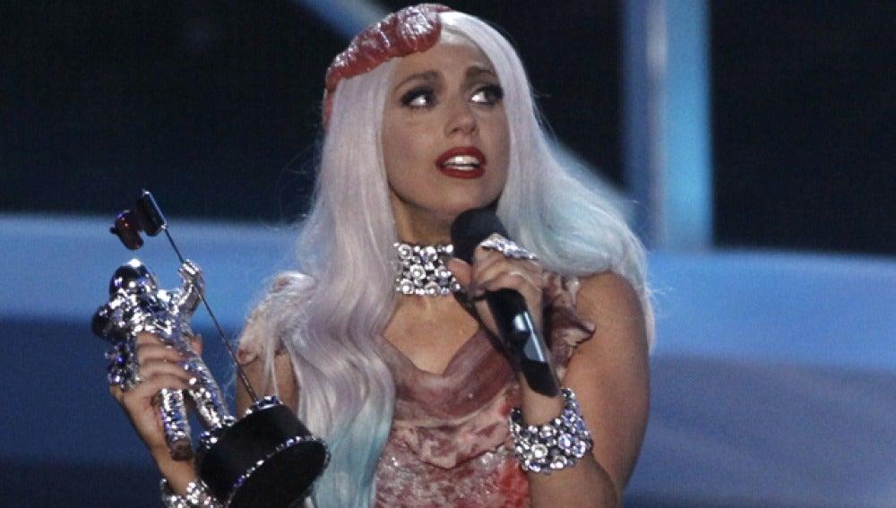 Lady Gaga, emocionada con su premio