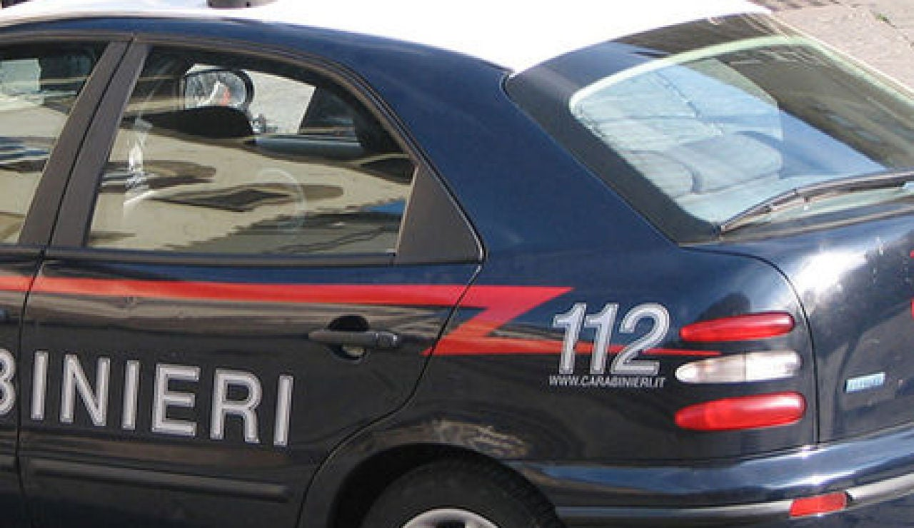 Coche de policía italiana